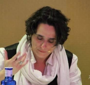 Isabel Rezmo en Poesía y mucho + de Radio Puebla
